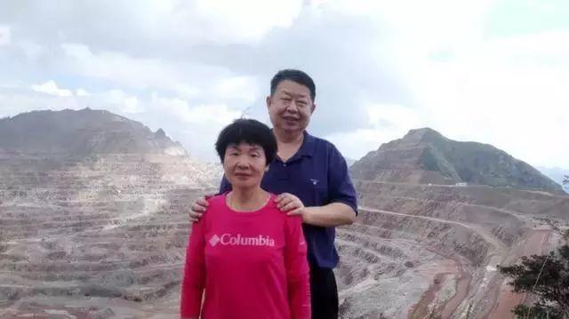 陈景河与妻子赖金莲合影
